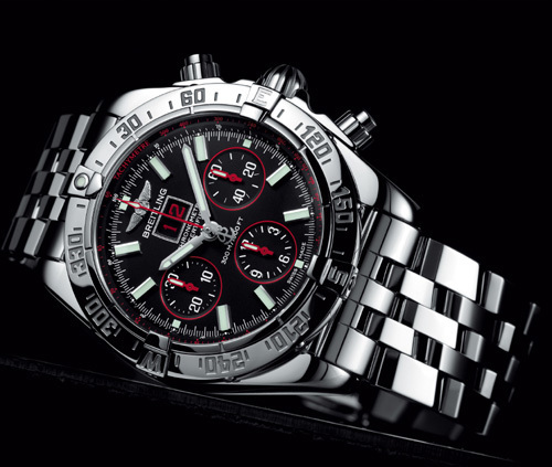 Breitling Blackbird Red Strike Limited Edition